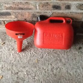 5 LITRE FUEL CONTAINOR AND FUNNEL FILLER