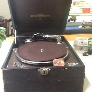 wind up portable gramophone Mona Vale Pittwater Area Preview