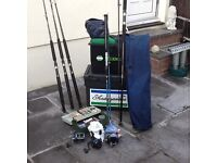 5 sea fishing rods, 3 reels, 1 carry case, 2 fishing boxes with various hooks, weights etc