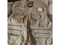MULTI POCKETED FISHING VEST