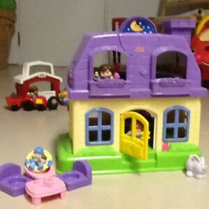 Plusieurs beaux jouets - Fisher Price Little People
