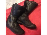Swift motorcycle boots