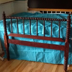 3/4 antique bed frame with head and foot board