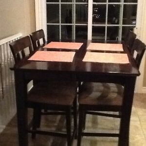 Bar Height dining Table and 4 Chairs.