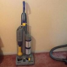 Dyson  DC 03  vucuumn clin. Stirling Stirling Area Preview