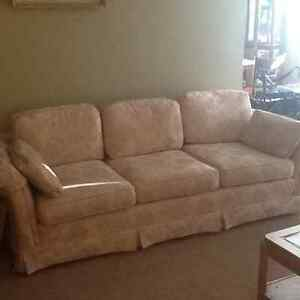 Sofa and loves eat combo Windsor Region Ontario image 1