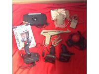 Atari gun, 2 x Atari mouses, 1 x Atari trackball & 4 x joysticks.