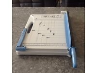 Precision guillotine cutter , trimmer