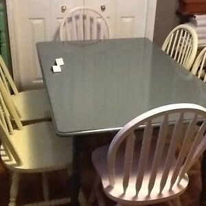 6/ chairs with lg grey table