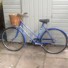 Vintage lady/s bike in working order £45 no offers can deliver for petrol cost