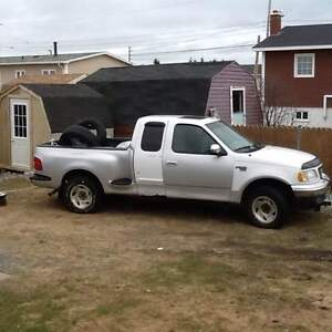 2001 Ford F-150 extented cab Pickup Truck