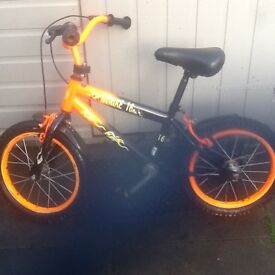 Bike suit 5 to 7 years £10 can deliver for petrol
