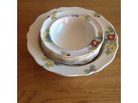Vintage Royal Doulton 'Minden' dessert set, immaculate!!