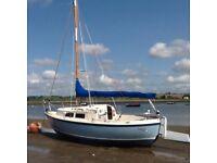 Hunter Minstrel 23 Sailing Cruiser with Tohatsu 6 hp Outboard. Benfleet, Essex