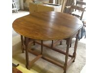 Mahogany Sutherland dining table