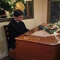 Expert Pianist For Your Holiday Party!