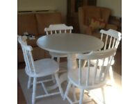 Shabby sheke table and chairs with four cushions