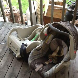 Bancs d'auto pour bébé / Car seats Graco