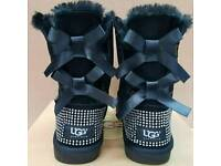 Women Ugg Bow Boots / Boxed / Size 4