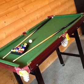 Pool table 1/4 size