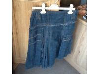 DENIM SKIRT WITH SIDE ZIP SIZE 10 - EXCELLENT CONDITION
