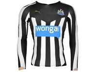 Newcastle United long sleeve shirt NEW size Medium