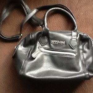 Kenneth Cole -Reaction purse