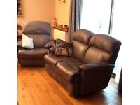 LAY-Z-BOY leather 3 piece Suite Excellent Cond. Recliner Chair, 2x2 seater settees 1 recliner.