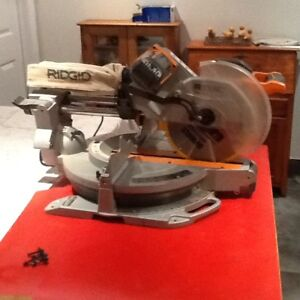 scie a onglet ridgid 12`` coulissante