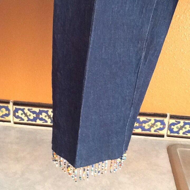 David Paul New York Ladies Size 10 Cropped Pants Dark Denim Cotton Blend Beaded