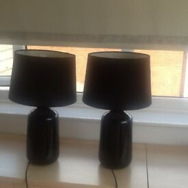 Pair lamps to cl ar £12