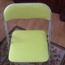 Single folding green chair