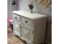 White solid wood unit