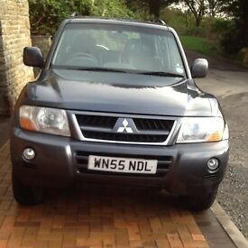 05/55 Mitsubishi Shogun Elegance 3.2 diesel 7-seat automatic. Grey with black leather interior.