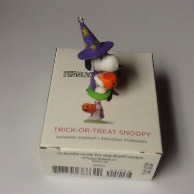 Hallmark 2018 Halloween Trick Or Treat Snoopy Miniature Ornament Boxed New