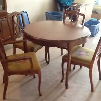 DINING TABLE AND 4 CHAIRS----OBO