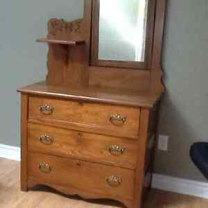 Antique dresser Kitchener / Waterloo Kitchener Area image 2