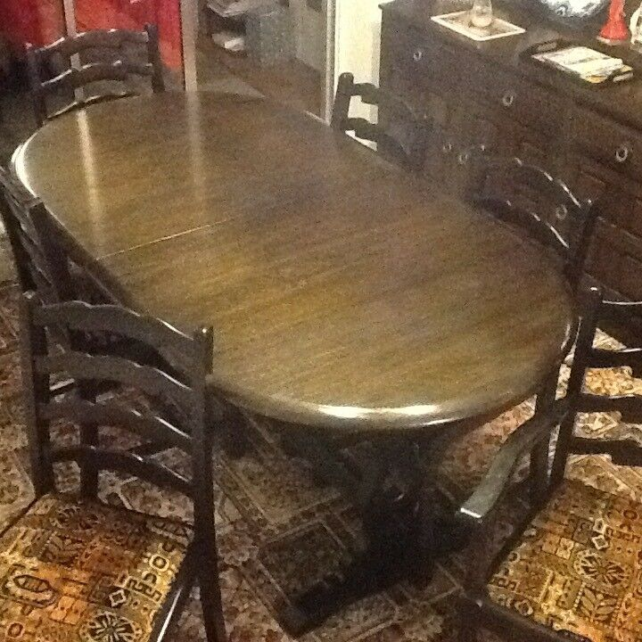 Priory Extendable Table and Six Chairs - Good condition