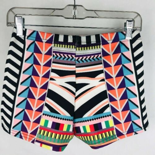 Boohoo Women Size 6 Geometric High Waist Kerri Shorts Hot Pants