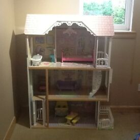 KIDDIECRAFT THREE STOREY DOLLS HOUSE
