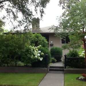 A great duplex in Oak Bay