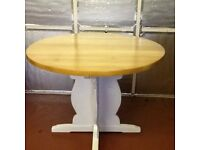 Round solid pine Dining table seats 4-6 persons