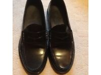Brand new men's shoes size uk91/2