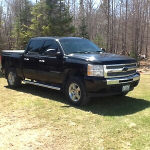 2009 Chevy Silverado hybrid pickup for sale