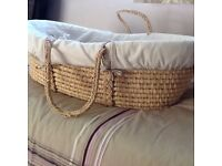 Moses Basket & Clair de Lune Wooden Stand