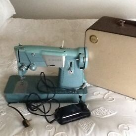 electric singer sewing m/c good working order £60
