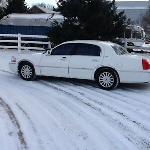 2005 Lincoln Town car 3000 or bo.