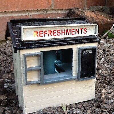 REFRESHMENT STAND FOR GARDEN RAILWAY 16MM SCALE. G COMPATIBLE