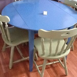 4-green chairs with blue table