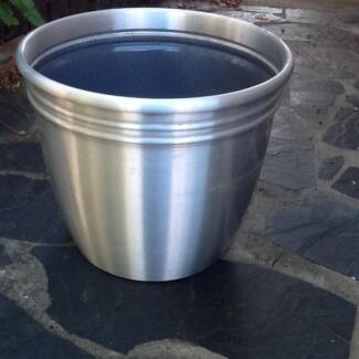 Stunning silver pot